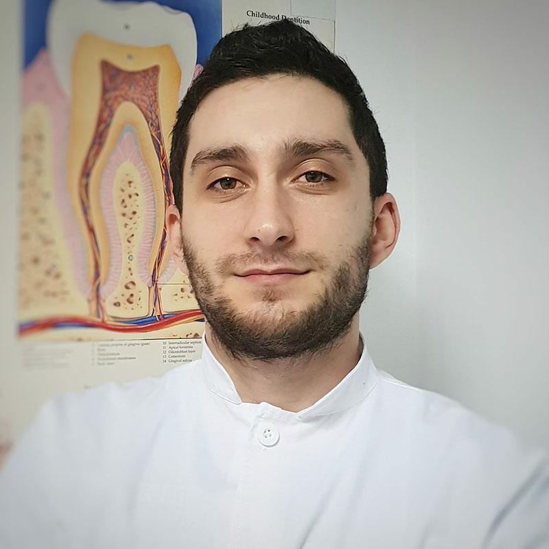 Dr Razvan Ghita - CriniDent