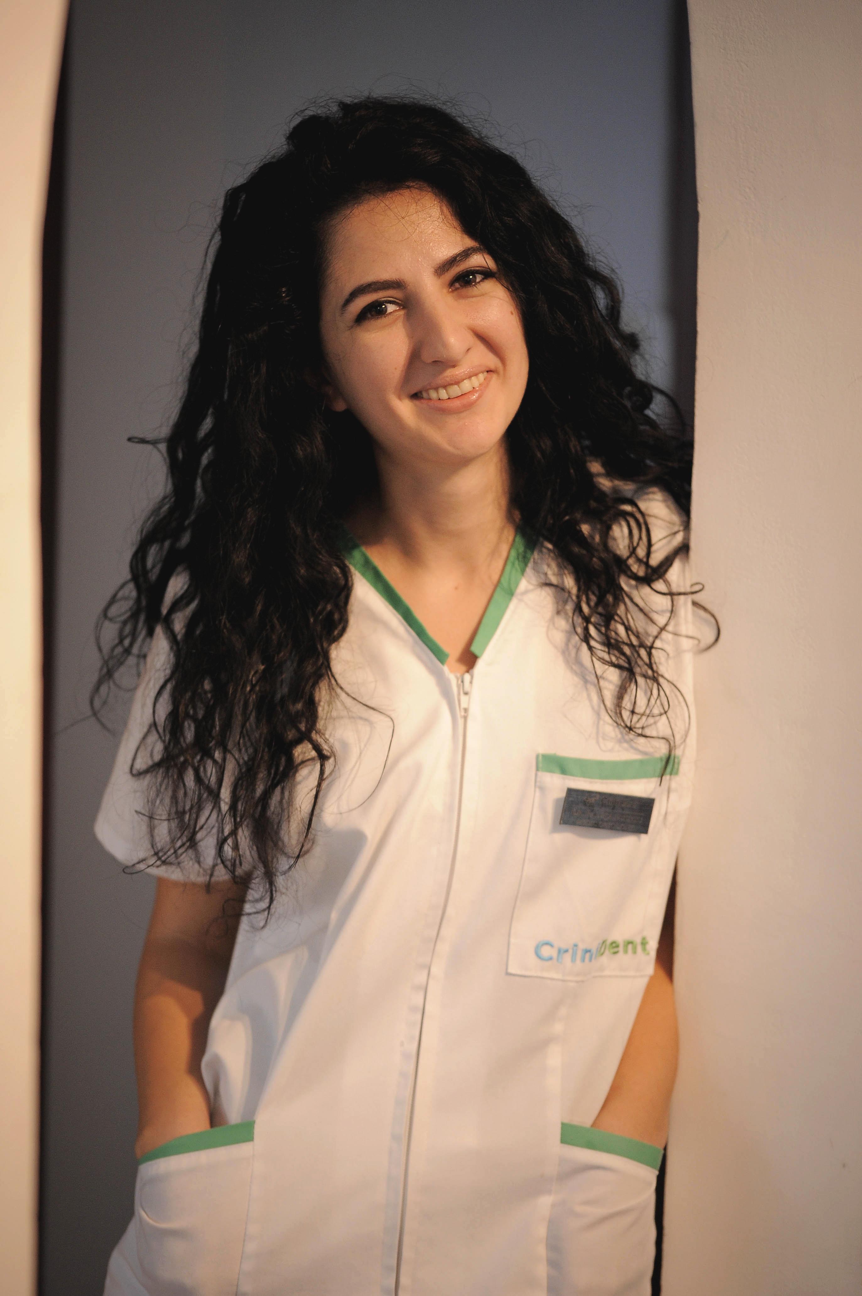 Dr Raluca Puchiu - CriniDent